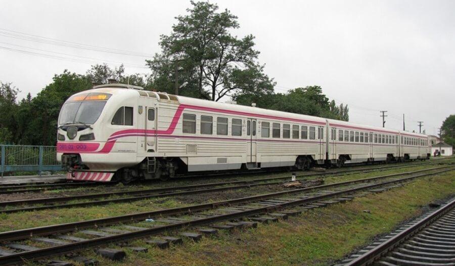 Кабина управления дизель-поезда ДЭЛ-02