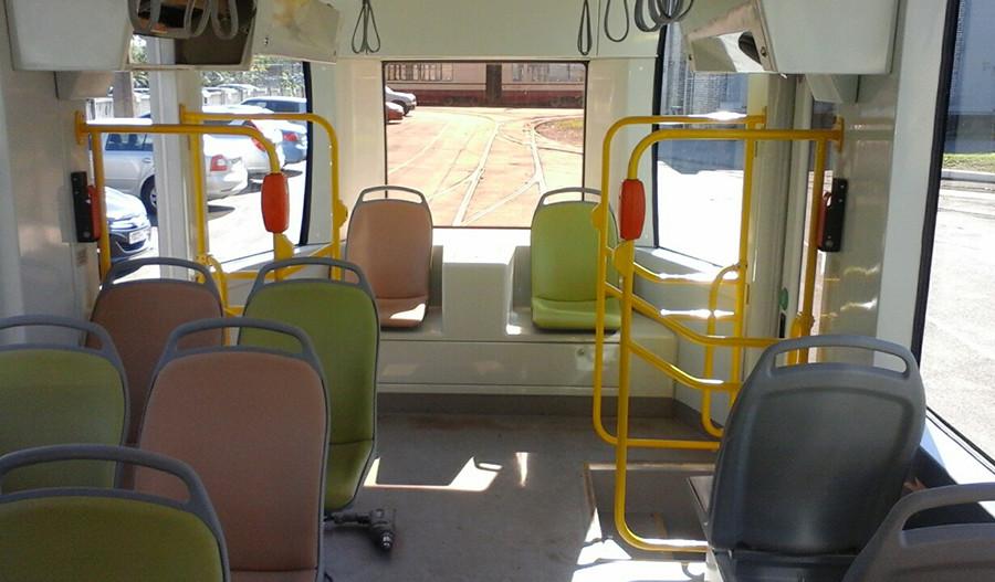Трамвай 71-301